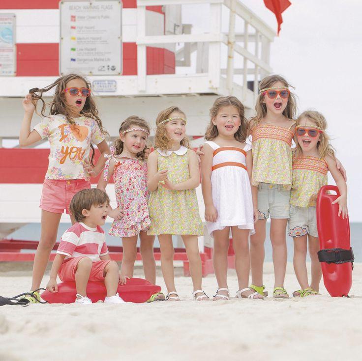 #Southbeach #Miami Los estampados y colores más vibrantes, te harán brillar bajo el cálido sol del este #verano!