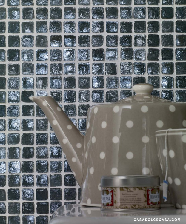Vetro Chroma - Muschio: Kleuren Met, Marbles Inspiration, Glasses Tile, Inspire Doors, With A, Colors Vans, Casamood Chroma, Vans De, Black Glasses