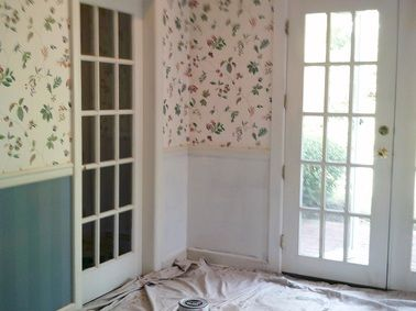 How to paint over old wallpaper... saves lots of time when you're fixing up an old house #renovation #diy #fixerupper