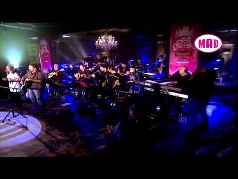 G. Dalaras - Mi mou thimonis matia mou (LIVE) MULTI SUBTITLES - YouTube