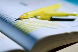FREE 5 Close Reading Strategies to Support the Common Core~  Great article that will make it easy to teach students how to mark up text for comprehension without randomly highlighting every sentence.  This blog post explains how to number the paragraphs, chunk the text, underline and circle with a purpose,  and what info to put in the right and left margins.  Great learning and study guidelines for any age student working with large text selections!