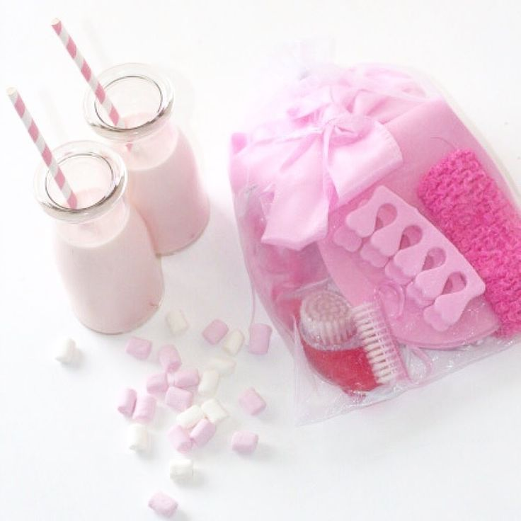 Have a girls night in, mummy and me time or hang with your bestie with a pamper pack from SaSa Party Co