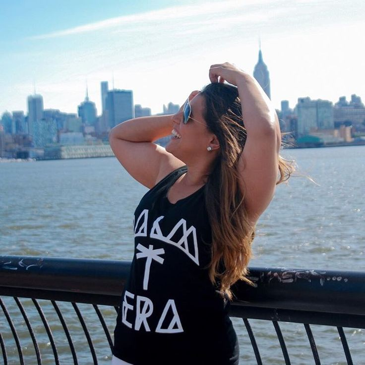 New York #BigApple #CityThatNeverSleeps #Ladies #Aviators #TheCity
