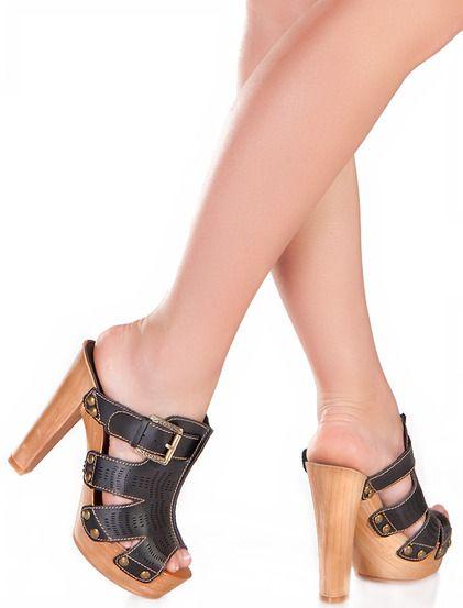 Παπούτσια Αντονέλα - Γυναικεία μοντέρνα παπούτσια κατάλληλα για καθε μέρα. Με ξύλινη σόλα και τακούνι. 39€ #papoutsia #pedila #sagionares