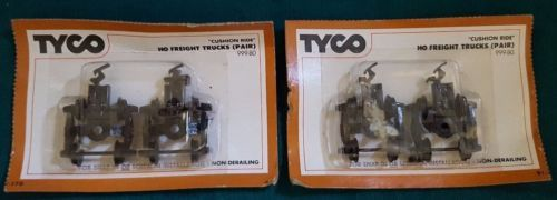 Lot-of-2-Vintage-Tyco-Brand-HO-Freight-Truck-Wheels-Unopened-in-Package