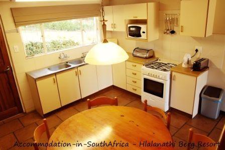 Kitchen and dining at Hlalanathi. http://www.accommodation-in-southafrica.co.za/KwaZuluNatal/Bergville/Hlalanathi.aspx