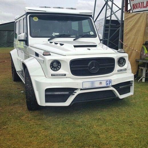 Very mean G7 Onyx G Wagon spotted by @mo_asmal_ & @asmalphotography  #ExoticSpotSA #Zero2Turbo #SouthAfrica #MercedesBenz #GWagon #G7 #Onyx