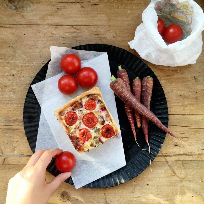 Gemüsekuchen mit lila Karotten - LILA + GLÜCKLICH