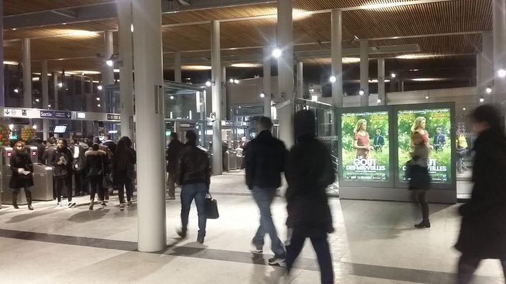 «Lumineuse», «agréable»...Les usagers de la nouvelle gare de Nanterre-Université (Hauts-de-Seine), desservie par le RER À et la ligne L du...