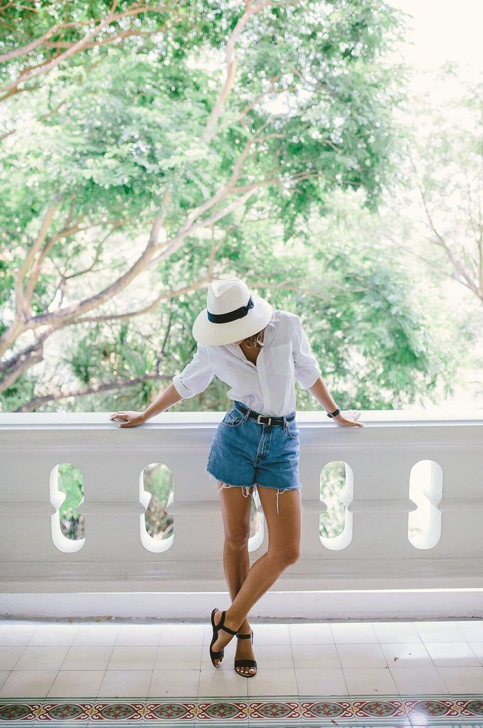 30 Ways to Wear The Simple Sandal…