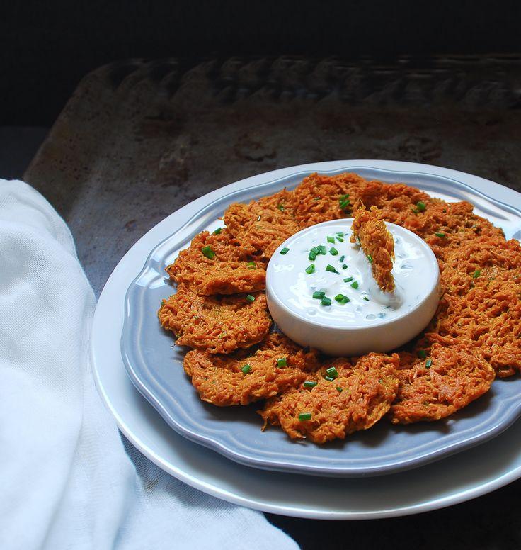 Sweet potato rösti - Tortitas de boniato con salsa de yogur