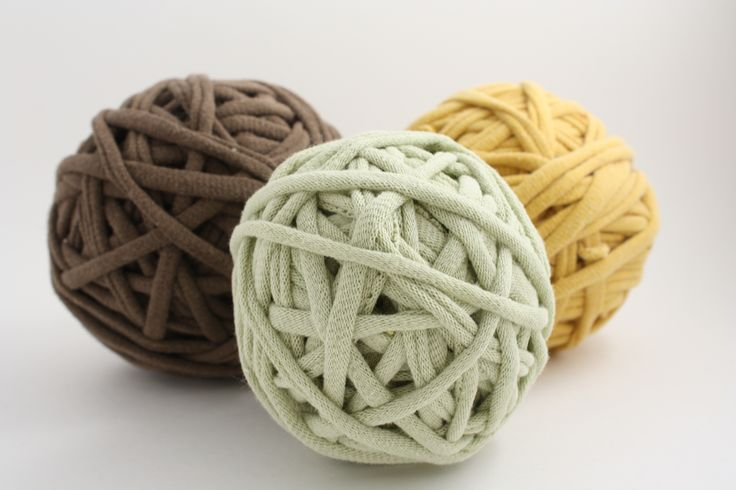 T-Shirt Yarn Projects | found the t shirt yarn tutorial i was pumped i got the boxes out ...
