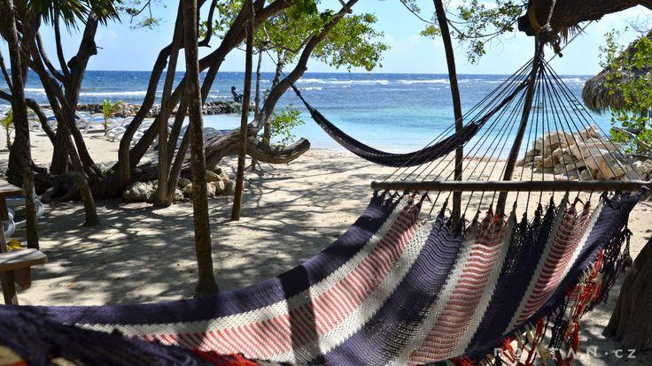 Karibská pláž - Karibské pláže na ostrově Roatán - ROATAN.CZ