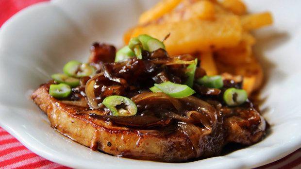 K této vynikající kotletce si můžete připravit tuřínové hranolky, ale dobře se bude hodit třeba i kuskus nebo šťouchané brambory.