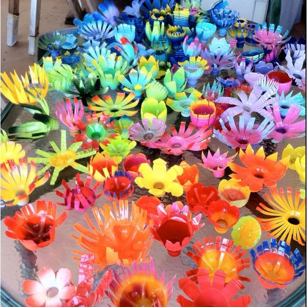 156 best images about riciclo on pinterest bottle for Recycled flower art