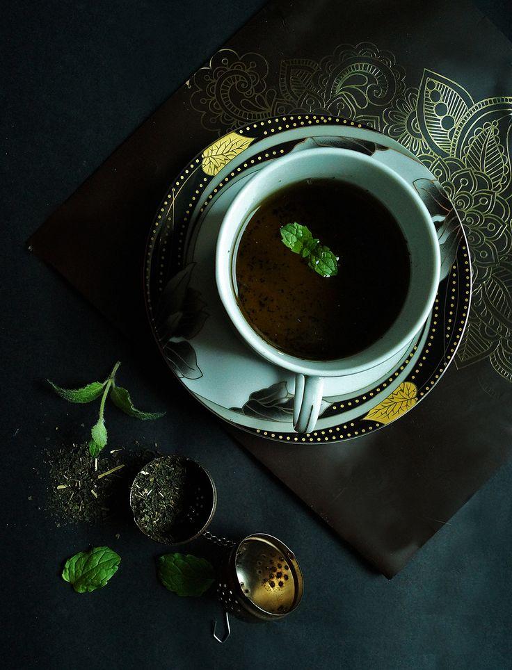 Dlaczego warto pić herbatę z pokrzywy? Jakie są inne zdrowe naturalne napoje? Sprawdź! #nettletea #naturaldrinks #mint