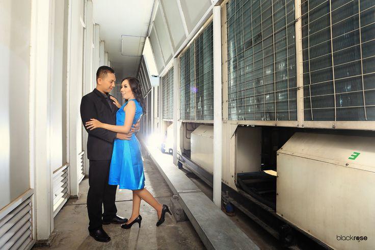 Yoan & Adit  #couplepictures #prewedding #beforemarriage #building #rooftop #lighting #stroubist #outdoor #blackrosepictures #blackroseconcept