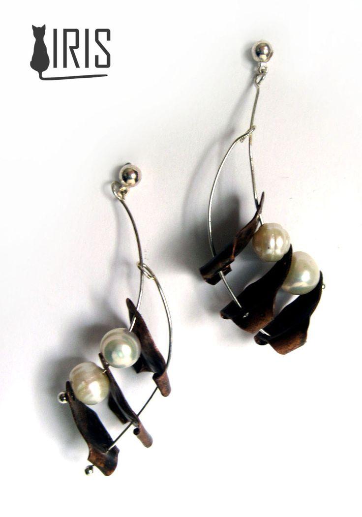 miedziane kolczyki z naturalnymi perłami rzecznymi ------------ Copper earrings with freshwater pearls