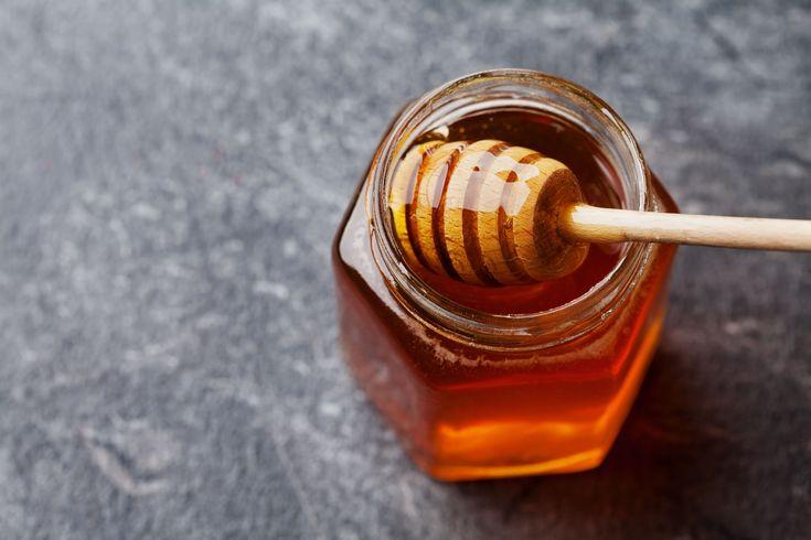 Il golden syrup è uno sciroppo zuccherino tipicamente britannico ma diffuso anche in America, una ricetta davvero semplice a base di soli tre ingredienti.