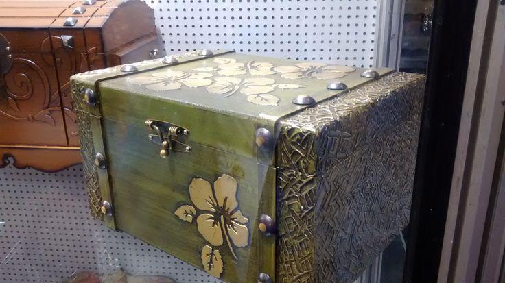 17 beste idee n over hout restaureren op pinterest hout restaureren meubels krassen en schoon - Concrete effect tafel ...