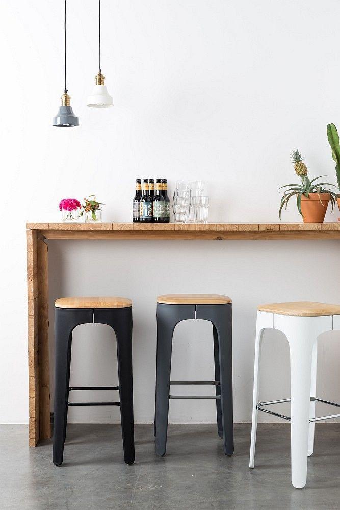 Barhocker Industrial Soho Schwarz Weiss Oder Grau Soho Erobert Wohnungen Und Lofts Metall Holz Kombinationen Begeis Bar Stools Chair Design Wooden Kitchen Bar