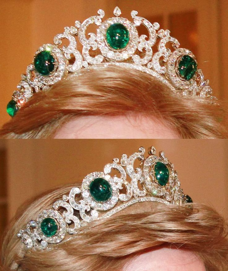 Greek Emerald Tiara III - it remains in the possession of the Greek royal family in exile, worn by Queen Anne Marie (formerly princess of Denmark).