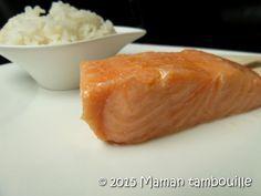 Une recette de saumon confit cuit à basse température dans de l'huile d'olive.