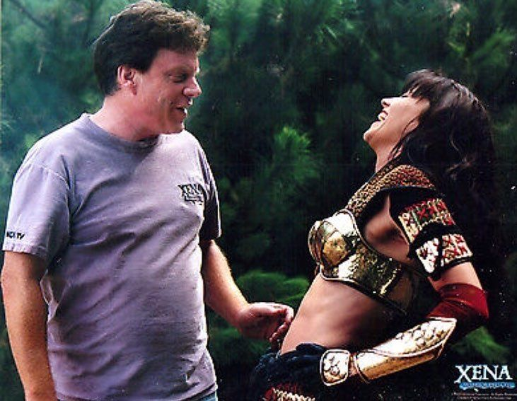 """122 curtidas, 9 comentários - Destroyer Of Nations⚔️ (@xenaawarriorqueen) no Instagram: """"Rob and Lucy They are adorable Behind the scenes picture 1/9 @reallucylawless @realrobtapert…"""""""
