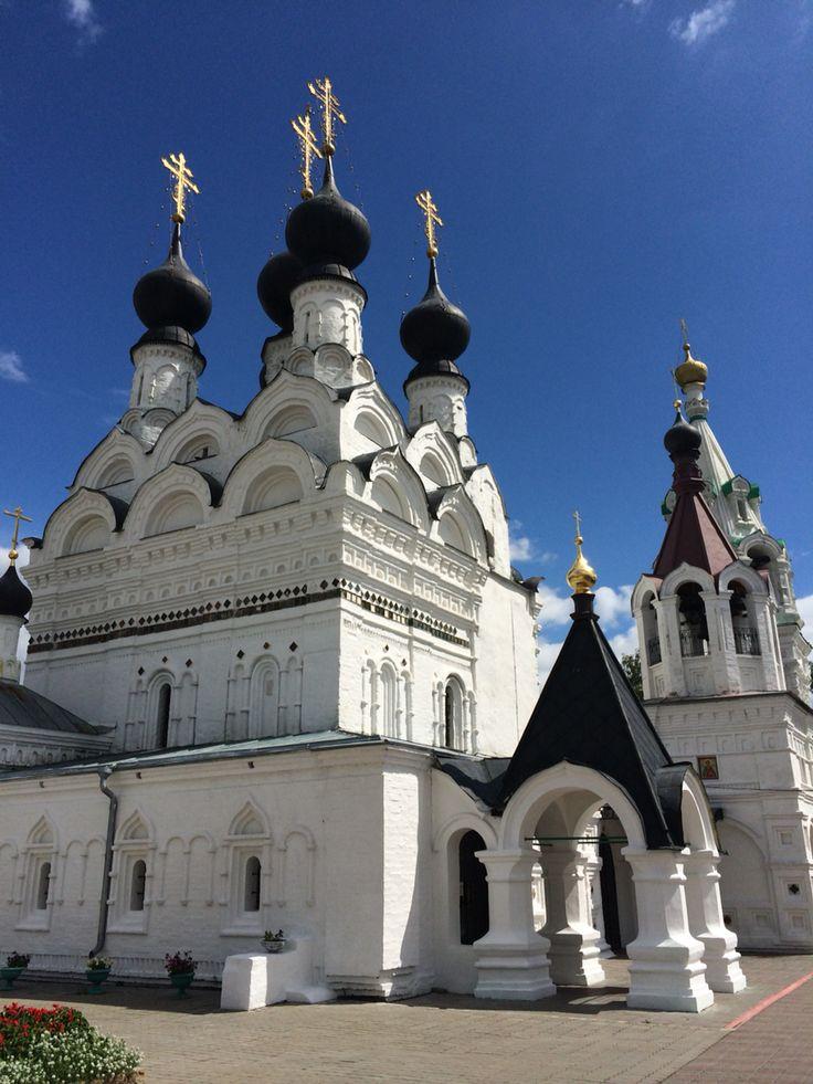 Свято-Троицкий женский монастырь, Муром, мощи Петра и Февронии.