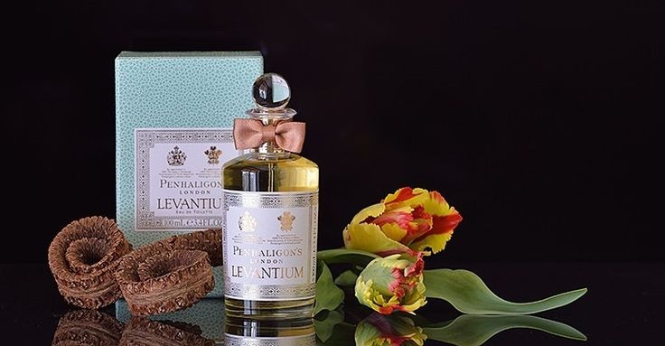 PENHALIGON'S Levantium. Profumo ispirato dalle navi commerciali che giungevano a Londra, magazzino del mondo, alla fine del 19° secolo. Zafferano, chiodi di garofano, sandalo, oud