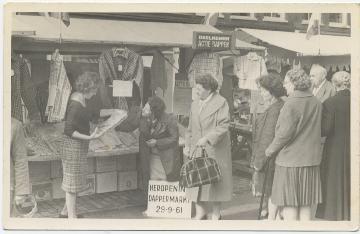 1961, Amsterdam, Dappermarkt Dit was ook tijdens de feestelijke heropening van de Dappermarkt.