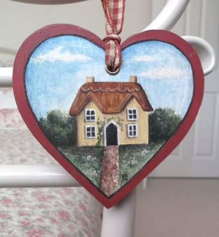 'Thatched Cottage' Folk Art Style, Wooden Heart Decoration - £9.50 at…