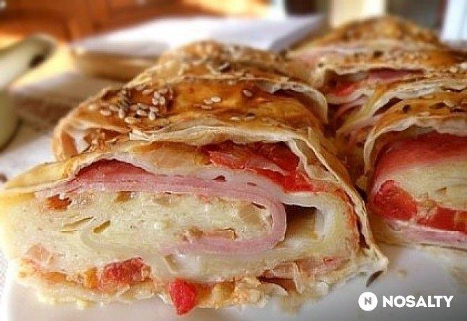 Sonkás-sajtos-paradicsomos rétes