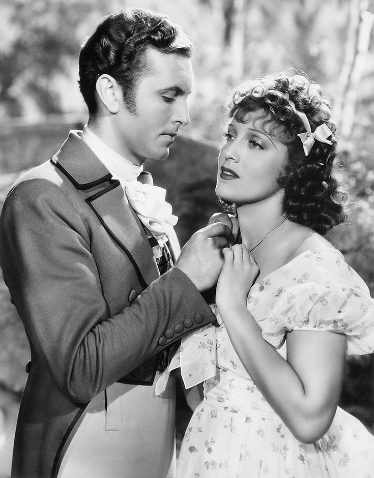 Allan Jones and Jeanette MacDonald in 'The Firefly' 1937