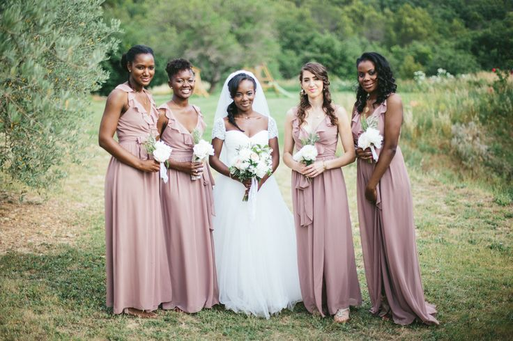 Photography : M&J Photography | Bridesmaids Dresses : Joanna August | Spring bridesmaid dresses: