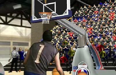 Basketbol oyununda size 60 saniye süre veriliyor ve potanın farklı noktalarından 3 sayılık basket atışları yapıyorsunuz.   http://www.oyuntr.net/basketbol-oyunlari