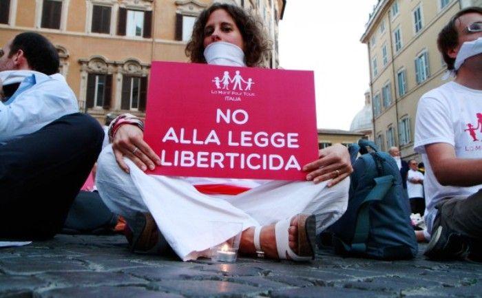 """Manif Pour Tous: sale la voce da Roma per dire """"No alla legge sull'omofobia"""""""