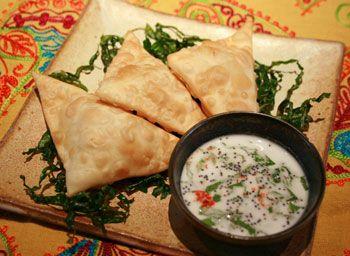 samosas vegetarianas, comida indiana