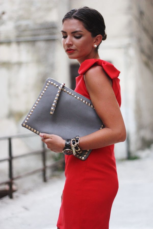 FashionHippieLoves: 26082012 - Lady in red