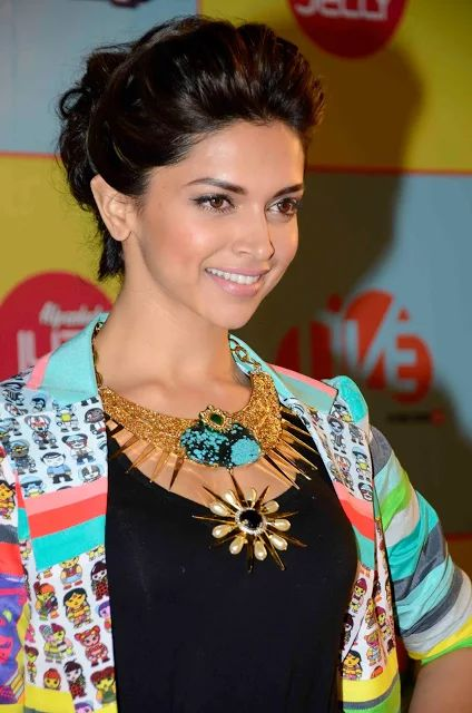 Super 1000 Ideas About Deepika Padukone Hairstyles On Pinterest Short Hairstyles For Black Women Fulllsitofus