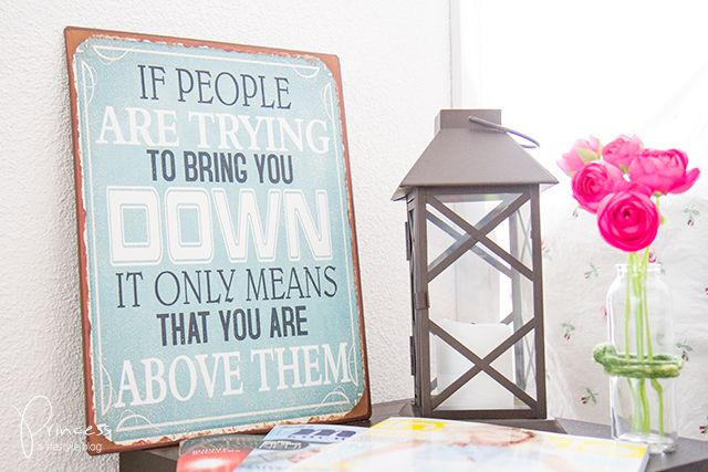 If people are trying to bring you down... #sign #schild