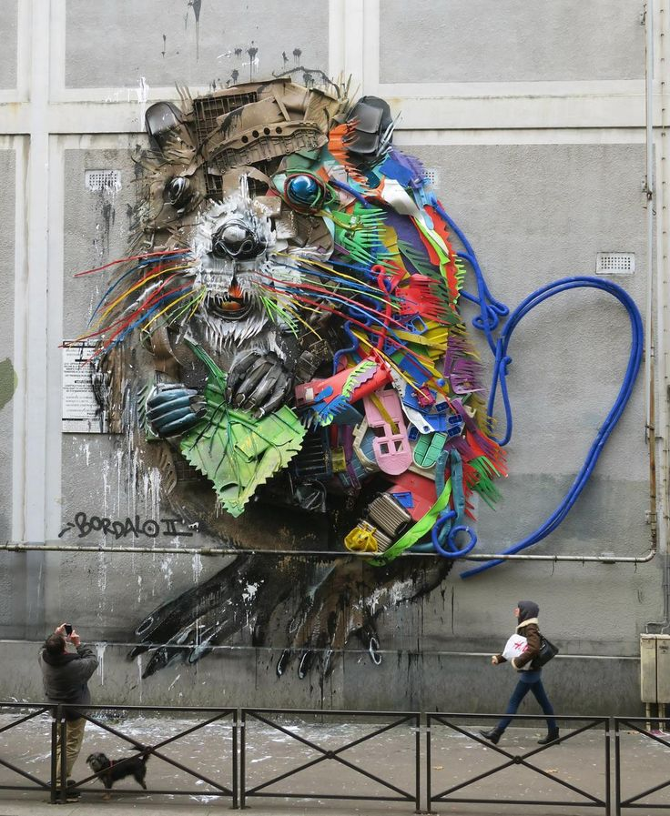 Street artist Bordalo II, famous for his monumental 3D artworks made from recycled waste, has just installed his latest creation in Paris! This new 3D piece, pr