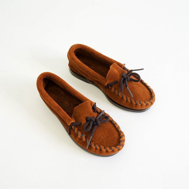 "Relisted and reduced • unworn #1980s child's #MinnetonkaMoccasins. Caramel #brownsuede. Marked size 10. 7"" insole."