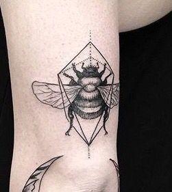 bee tattoo manchester bee bee tattoo pinterest tattoo marathon tattoo and feminine tattoos. Black Bedroom Furniture Sets. Home Design Ideas