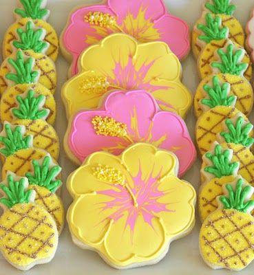 Pineapple and Hibiscus Flower Sugar Cookies: Hawaiian Cookies, Sugar Cookies, Luau Parties, Birthday Parties, Cookies Decor, Parties Ideas, Luau Cookies, Hawaiian Theme, Flowers Cookies