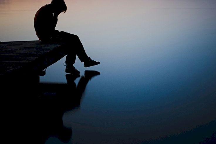 EL CÍRCULO DE LA DEPRESIÓN  ¿Ha pasado usted por un mal momento? Todos, como usted y yo, hemos vivido experiencias dolorosas. Pésimas, incluso. Y es que el dolor, las frustraciones, la injusticia o la muerte alcanzan a cualquiera, sin distinciones ni barreras que les protejan. Pero eso no sirve de consuelo al que sufre. Junto al que vive una mala…  http://www.thevalues.club/bienestar/el-circulo-de-la-depresion  BIENESTAR,PSICOLOGÍA
