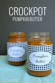 Homemade pumpkin butter made in the crockpot - like Trader Joes! SO easy. Plus, how cute are those free printable lables??!