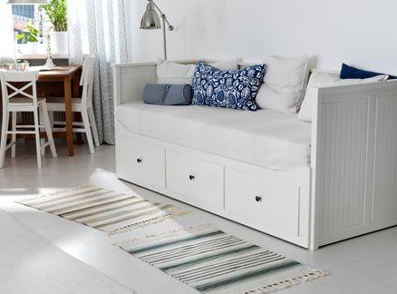 Фото 1- Односпальная кровать-кушетка от ИКЕА, которая прекрасно подойдет как для…