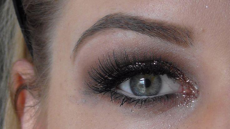 Cool Tone Smokey Eye with Loose Glitter - MAC Cosmetics, Fun and Glitter