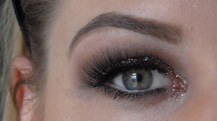 Cool Tone Smokey Eye with Loose Glitter - MAC Cosmetics, Fun and Glitter